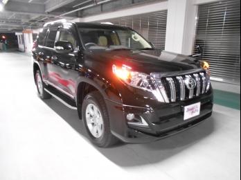 買取プラドディーゼル、夜中の1時にUSS名古屋会場撮影!!自社の積載車で運びました。
